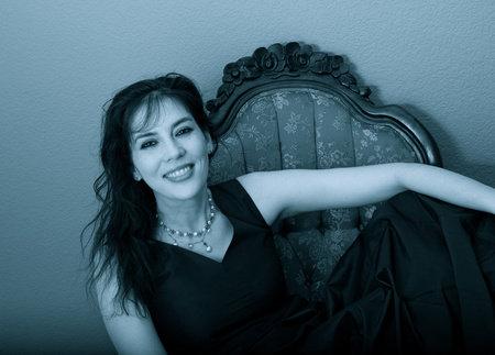 Photo of Shana Abé