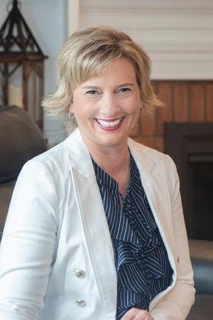 Photo of Lisa Woodruff