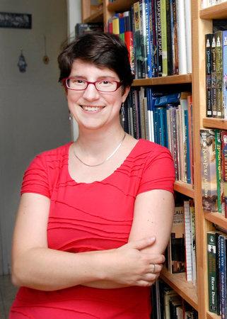 Photo of Sylvia Izzo Hunter