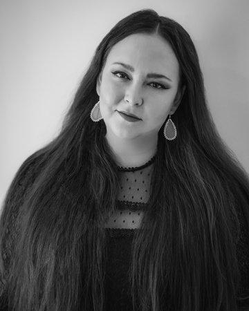 Photo of Liz Howard