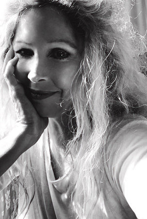 Photo of Suzanne Finstad