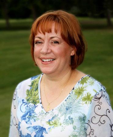 Photo of Julie Lyons